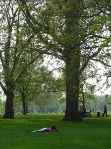 lu-vahs Hyde Park